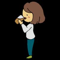 「酵素ドリンクを飲む横向きの女性」のフリーイラストです。 他にも、人物、雑貨などなど! 無料でご自由にお使いいただけます。 商用利用可能・著作権表示不要。