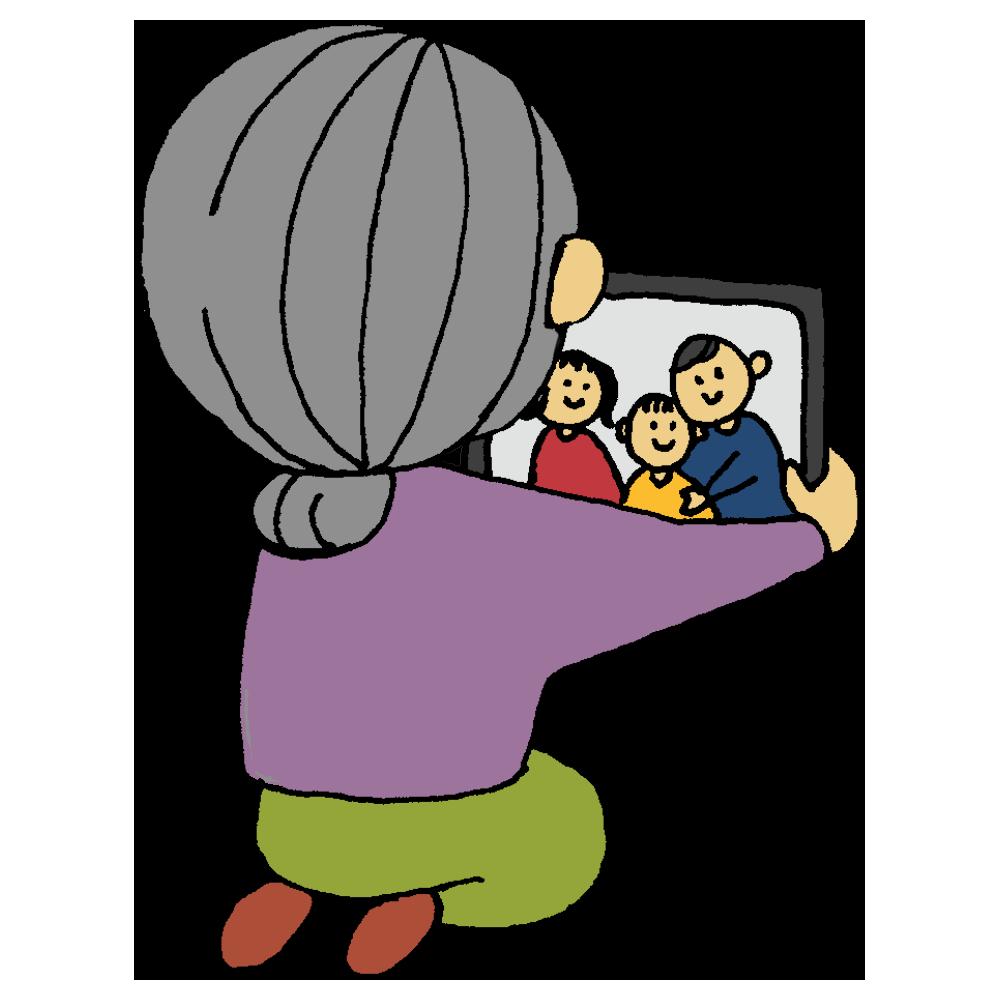 タブレットでテレビ通話をする高齢の女性のフリーイラスト